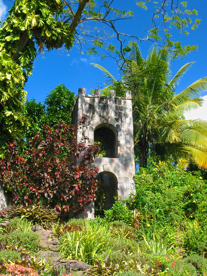 """St. Kitts was originally settled by pre-agricultural, pre-ceramic """"Archaic people"""", who migrated south down the archipelago from Florida. In a few hundred years they disappeared, to be replaced by the ceramic-using and agriculturalist Saladoid people around 100 BC, who migrated to St. Kitts north up the archipelago from the banks of the Orinoco River in Venezuela. Around 800 AD, they were replaced by the Igneri people, members of the Arawak group.<br /> Around 1300, the Kalinago, or Carib people arrived on the islands. These war-like people quickly dispersed the Igneri, and forced them northwards to the Greater Antilles. They named Saint Kitts """"Liamuiga"""" meaning """"fertile island"""", and would likely have expanded further north if not for the arrival of Europeans."""