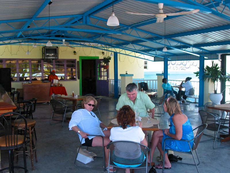 Many places in St Kitts have outdoor dining.
