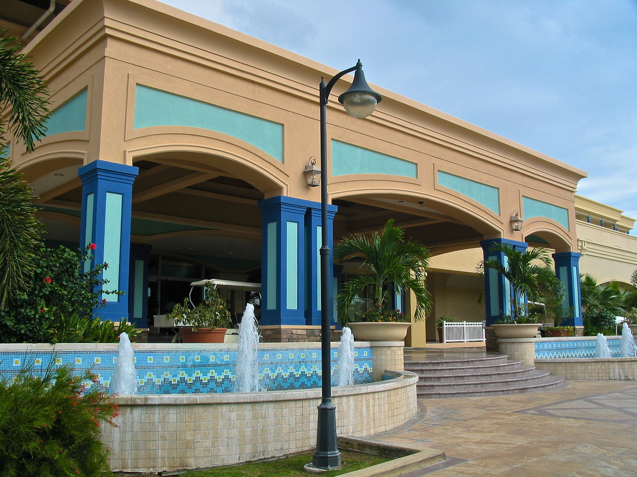 One of the largest hotels on the island, there are hundreds of rooms and plenty of room to spread out.