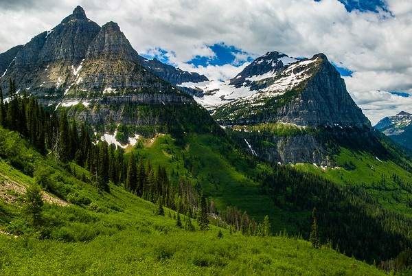 View from The-Going-To-The-Sun Highway approaching Logan Pass-III
