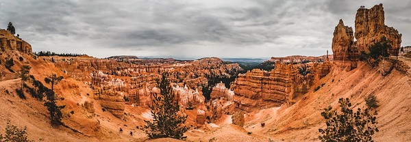 Panorama of bryce canyon on a cloudy day
