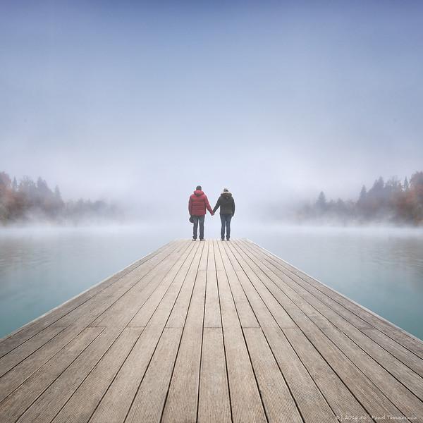 2016.86 - Slovenia XII - LakeBledMistCouple