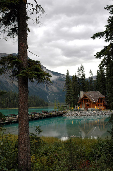 Emerald Lake, President Range<br /> Yoho National Park