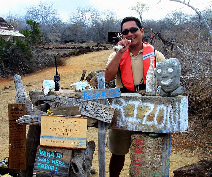 Gabriel goes postal @ P O  Bay, Floreana 12-17-2007