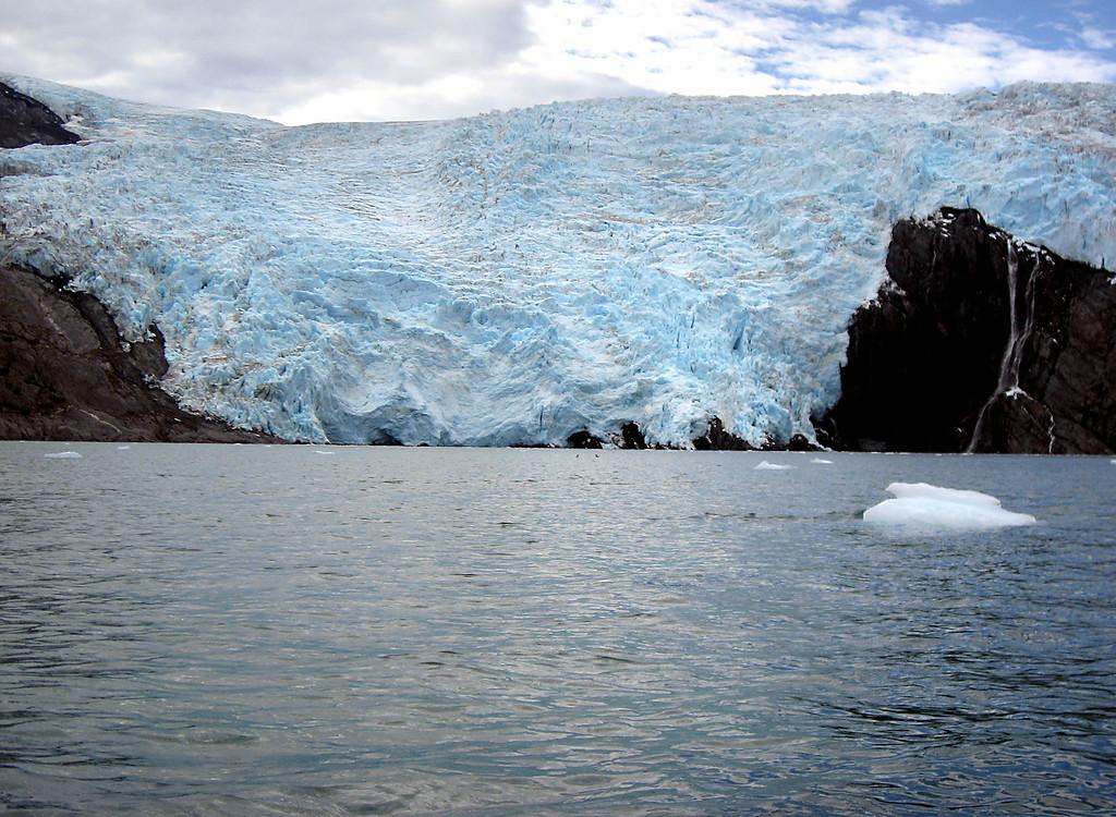 Blackstone glacier & baby berg-Passage Canal, AK 8-30-2007