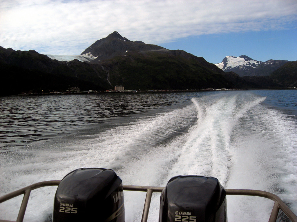 Prince William Sound in Malcolm's wake-Honey Charters, Alaska 8-30-2007