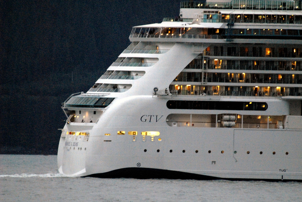 cruise ship close-up-Seward, AK 8-31-2007