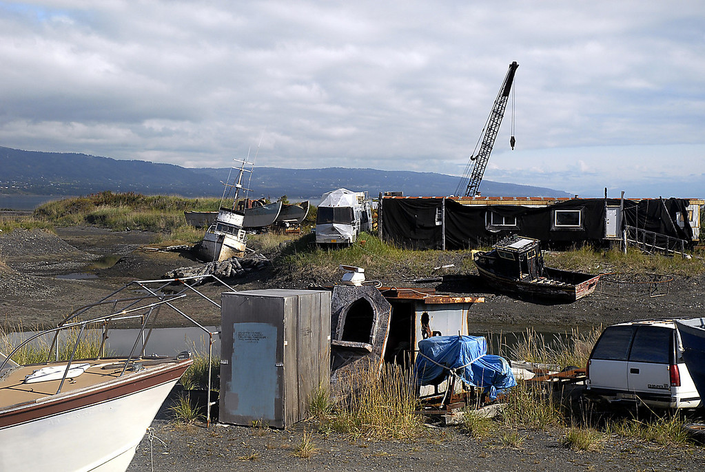 modus operandi on Homer Spit, Alaska 9-1-2007