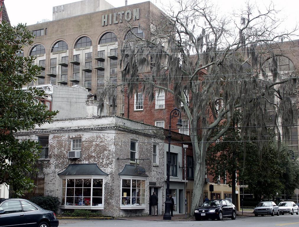 Savannah street 2002