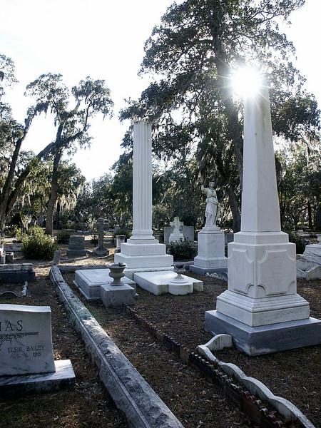 Bonaventure Cemetery - Savannah, GA - Christmas 2002
