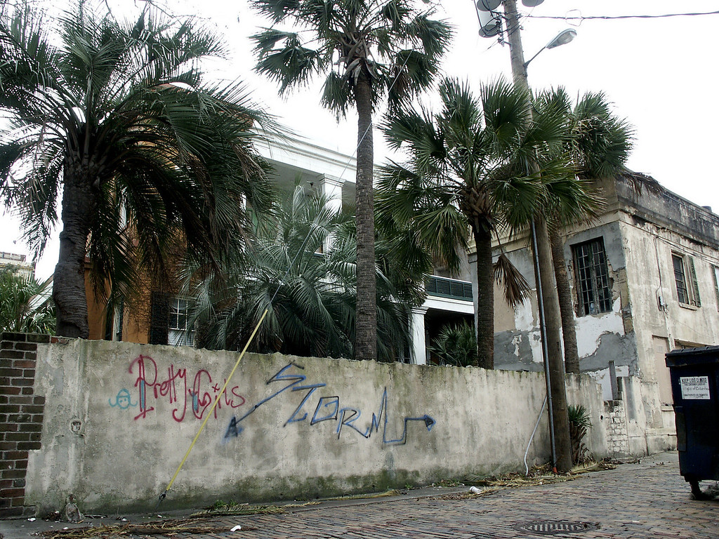 graffiti & glamour - Savannah, GA 2002