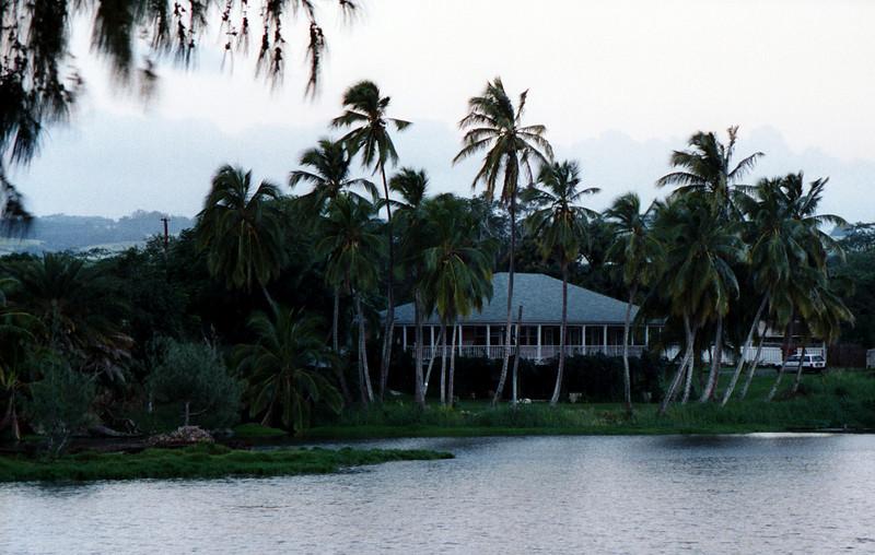 lagoon house - Hale'iwa, HI  1999 Dec
