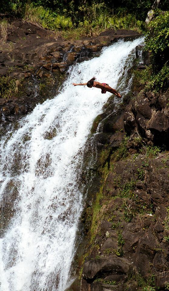 cliff diver @ Waimea Falls 1999 Feb