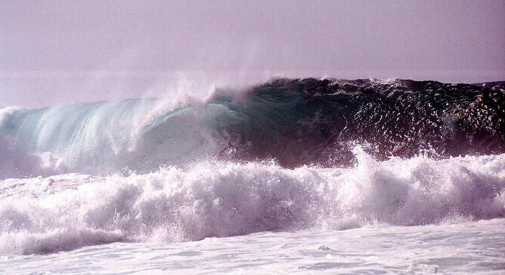 Banzai Pipeline - North Shore of O'ahu 1999 Dec