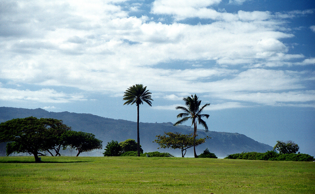 Ali'i Beach Park & the Wai'anae Mtns - Hale'iwa, HI  2000 Jan