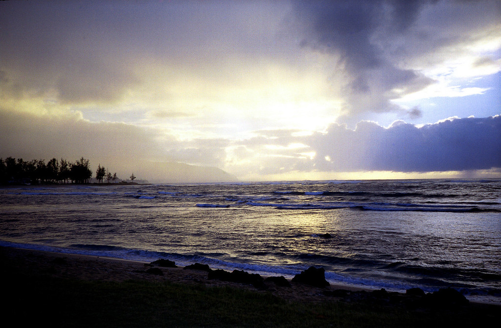 Hale'iwa sunset 2000 March