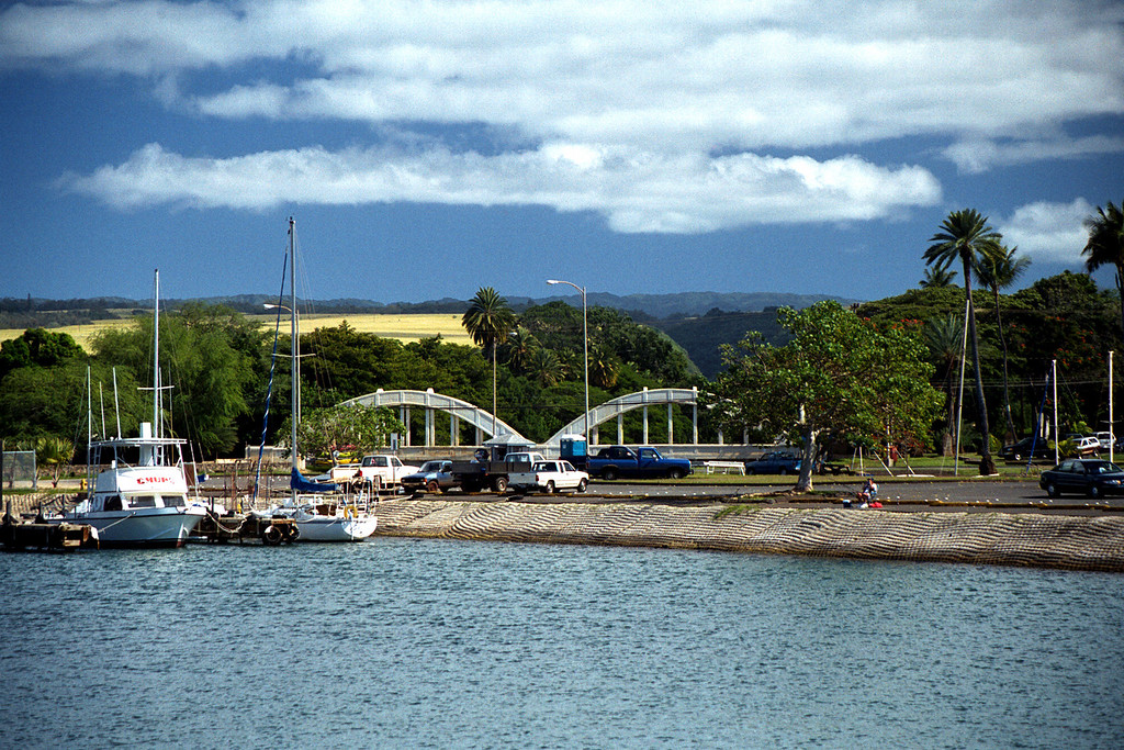 Anahulu Stream bridge & Hale'iwa harbor 2000 Jan