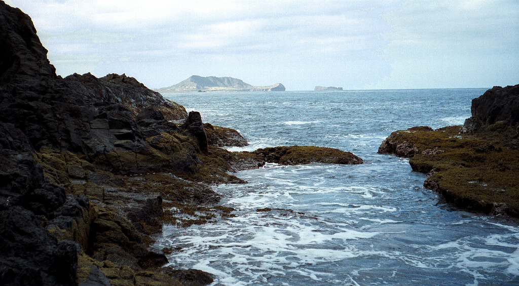Mokulua Shark's Cove view of 'Turtle Island'  - Hawaii 2000 Feb