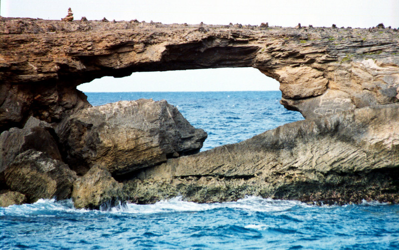 sea arch off Laie, O'ahu 1999 Sept