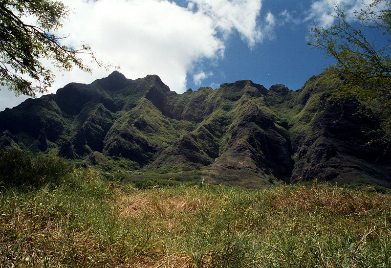 Ko'olau Mntns behind Kualoa Ranch-Windward O'ahu 1999 Sept