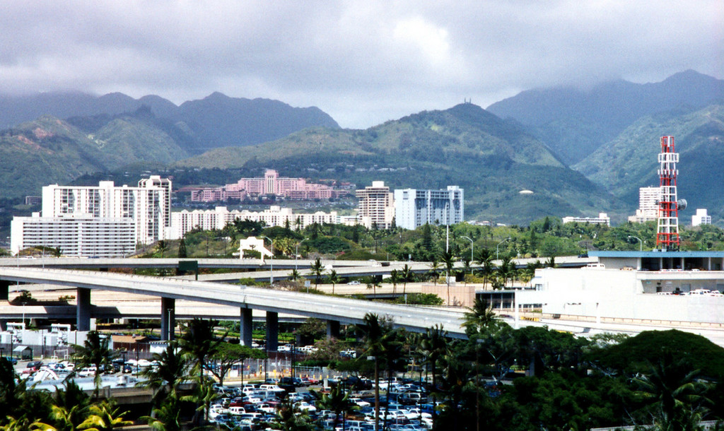 Honolulu airport vista 1999 April