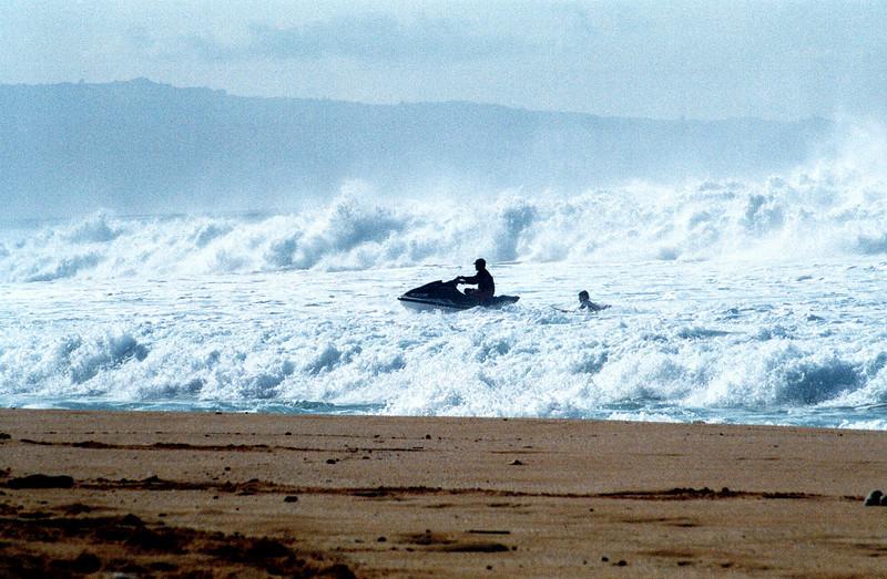 jet ski pulling surfer - Banzai Pipeline 1999 Dec