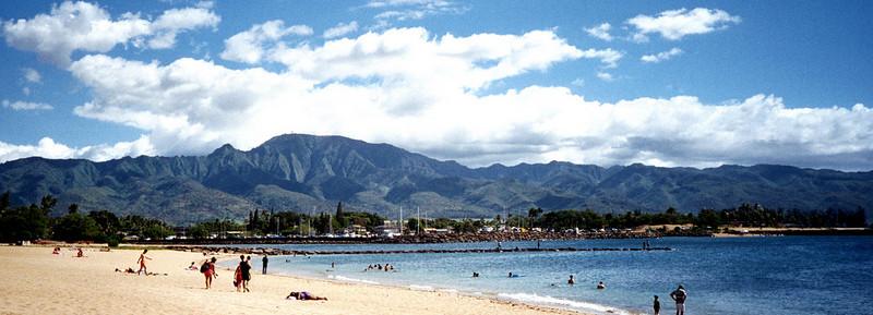 Hale'iwa Beach Park & Waianae Mtns - O'ahu 1999 July