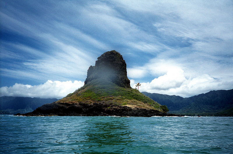 Chinaman's Hat from kayak - Windward O'ahu 1999 June