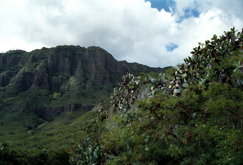 Kolekole Pass-leeward side Waianae Mtns-O'ahu 1999 July