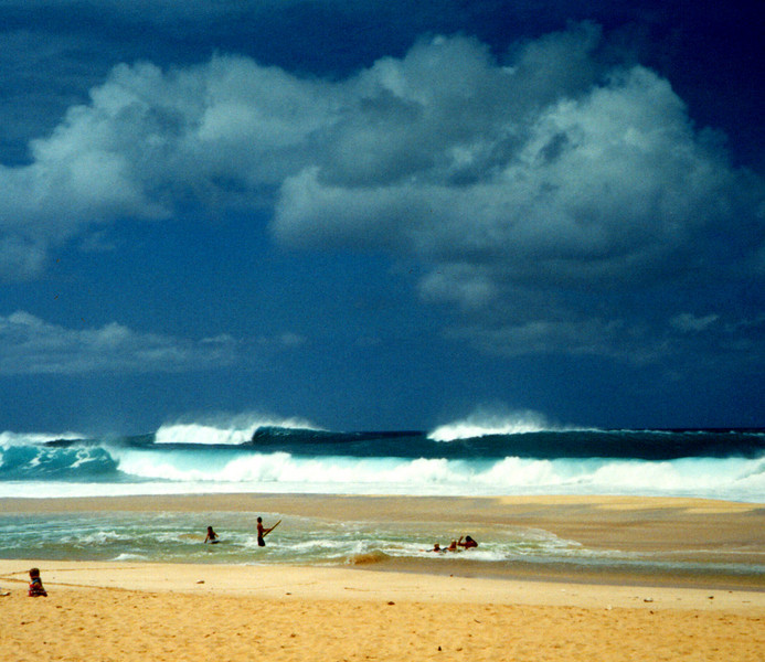 surf on the North Shore - O'ahu 1999 April
