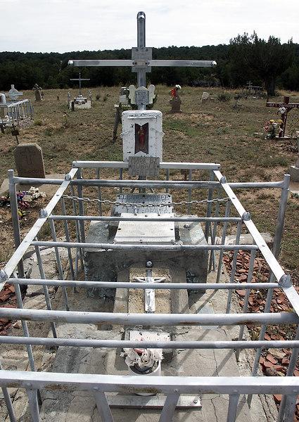 Eleanor McAfee's grave-Chilili cemetery, NM 10-200