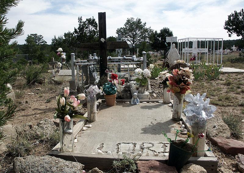 Lori-Chilili cemetery, NM 10-2003