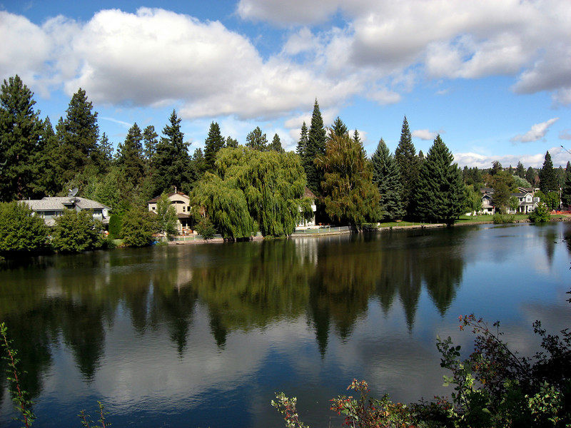 homefronts along Deschutes River-Bend, OR 9-16-2006