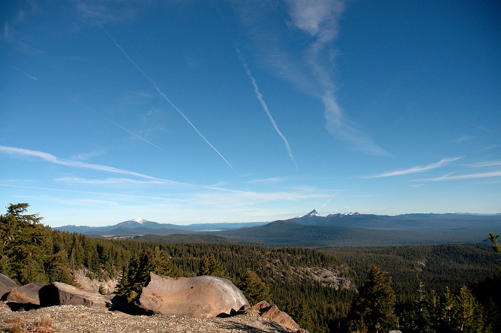 contrails-Crater Lake NP, OR 9-2006