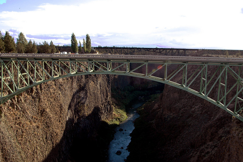 Conde B  McCullough High Bridge & Oregon Trunk Railroad steel arch bridge-Terrebonne, OR 9-15-2006