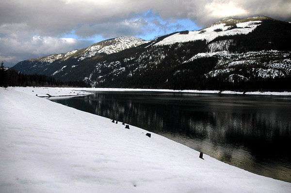 Kachess Lake shoreline under 3+ feet of snow, WA 3-25-2006