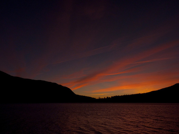clouds & contrails over Rattlesnake Lake @ sunset-North Bend, WA 1-1-2011