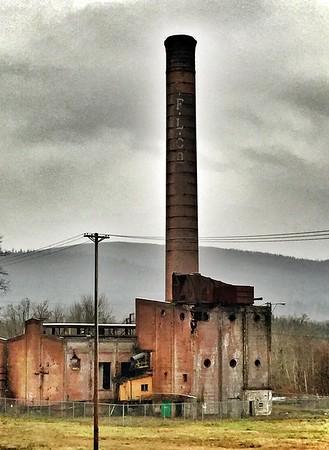 Weyerhauser Mill smokestack-Snoqualmie, WA 1-17-2015