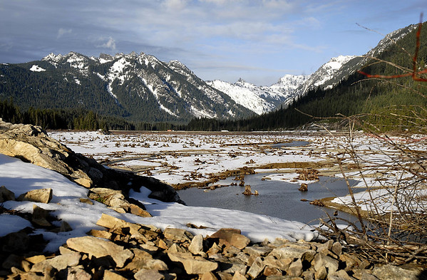 rocky shores of Lake Keechelus, Cascade Mountains, Snoqualmie Pass, WA 11-20-2006