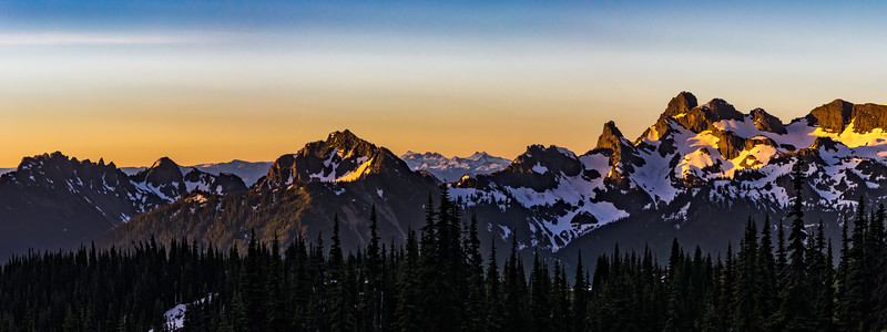 SUNRISE POINT PANORAMAMA: MT. RAINIER NATIONAL PARK, WASHINGTON