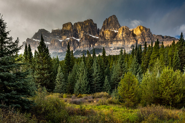 CASTLE MOUNTAIN CONVERGENCE: BANFF NATIONAL PARK CANADA