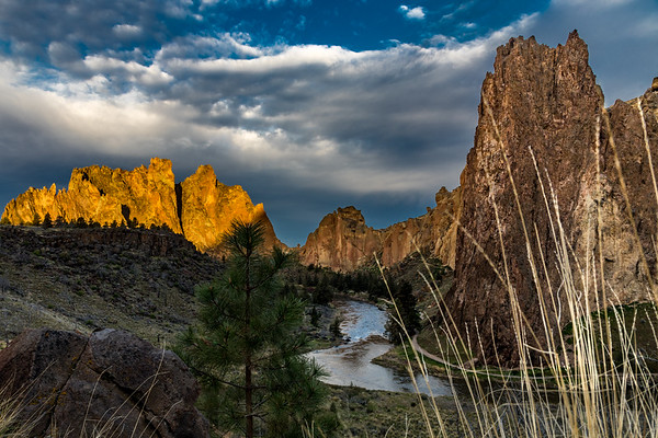 FIRST LIGHT: SMITH ROCK STATE PARK, OREGON