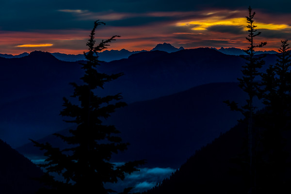 DAWN AWAKENS: MT. RAINIER NATIONAL PARK, WASHINGTON