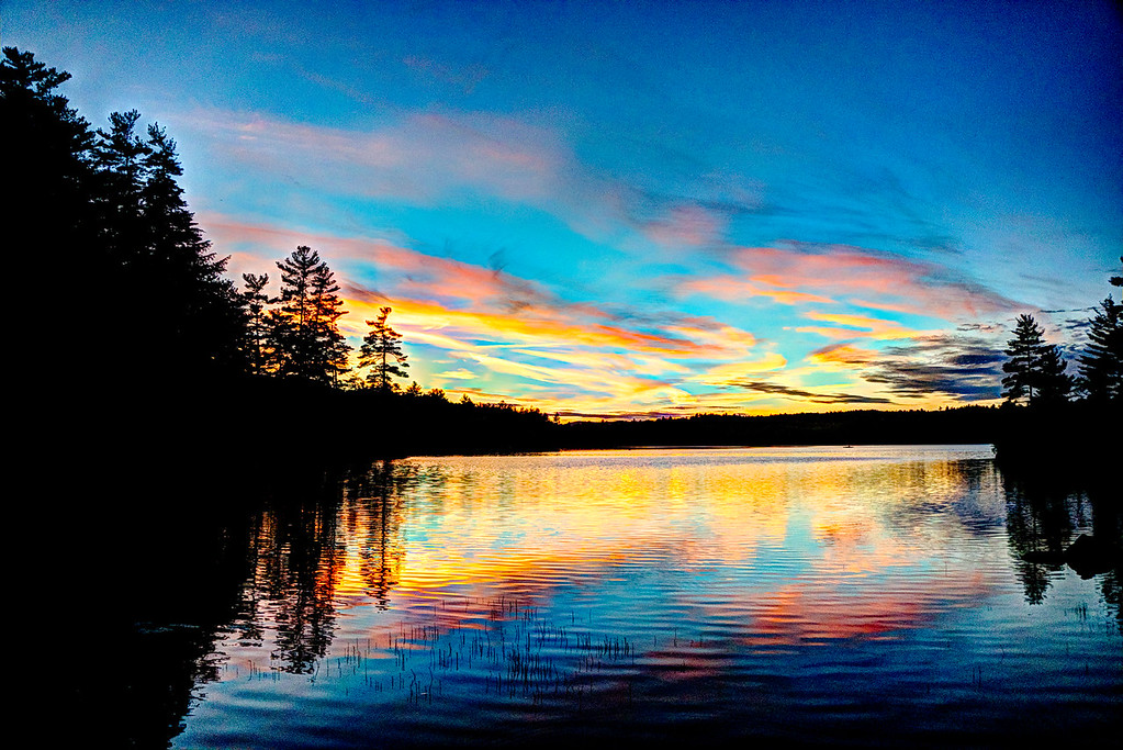 Hot days and cool nights produce some awesome colors on Loon Pond