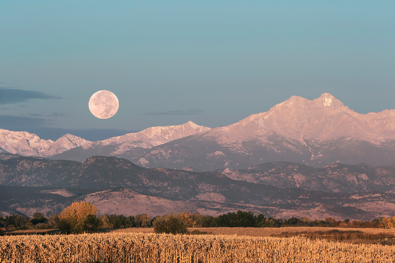 ROCKY MOUNTAIN MOONSET AT SUNRISE