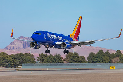 Southwest Airlines Boeing 737-7H4 N484WN 3-17-21