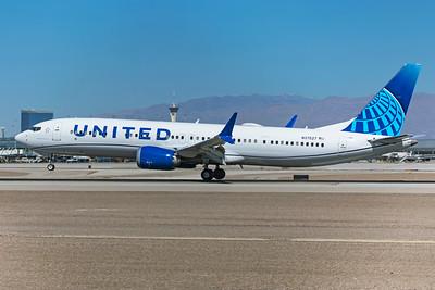United Airlines Boeing 737-9 MAX N37527 3-17-21