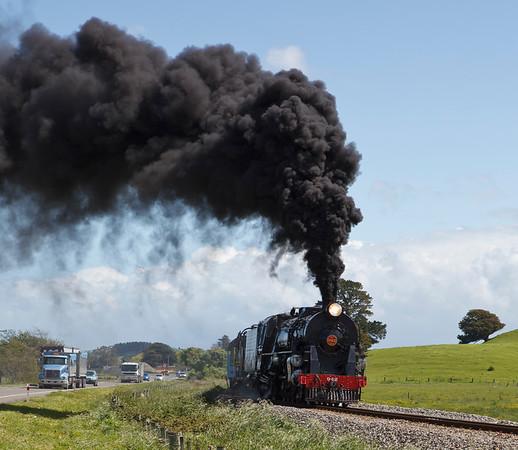 20111104 1403 Steam Train by Woodville _MG_0817