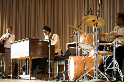 Dr.Lonnie Smith Trio
