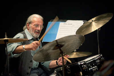 Barry Altschul   http://www.drummerworld.com/drummers/Barry_Altschul.html